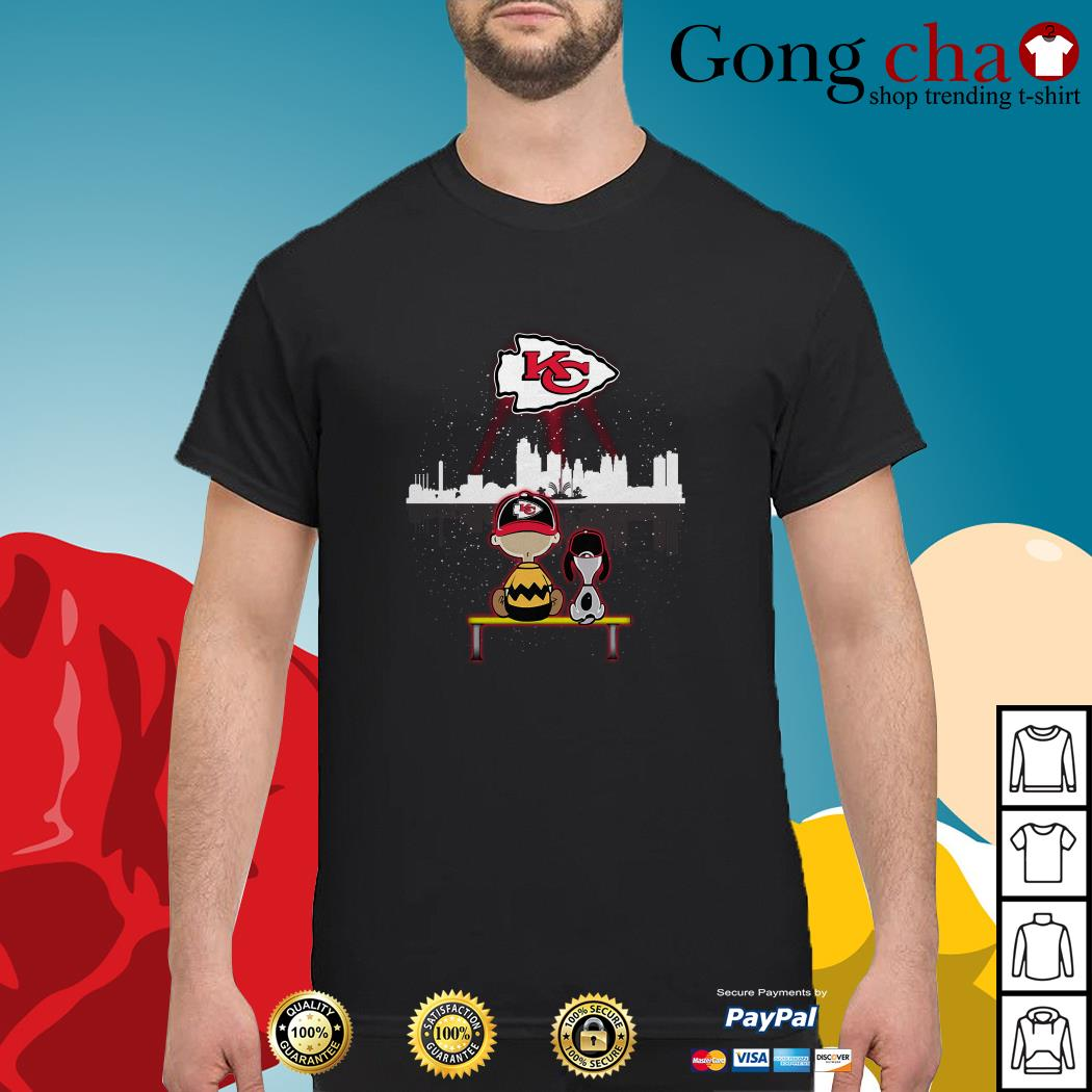 Charlie Brown and Snoopy dog watching Kansas City Chiefs shirt